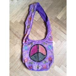 """индийская хлопковая фиолетовая сумка с вышивкой """"мир"""""""