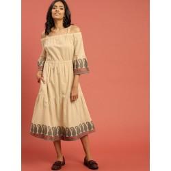 бежевое платье с открытыми плечами Taavi, S размер