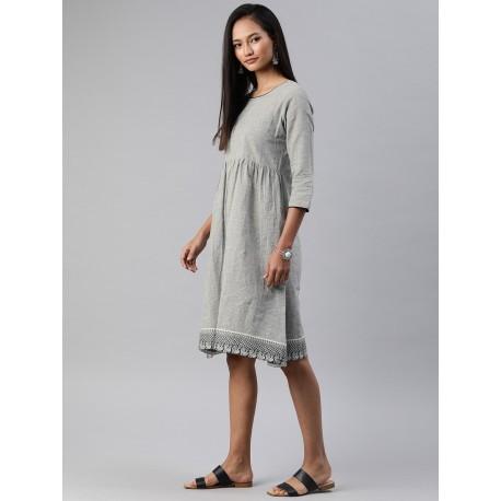 серое индийское платье S